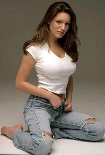 hot babe in jeans